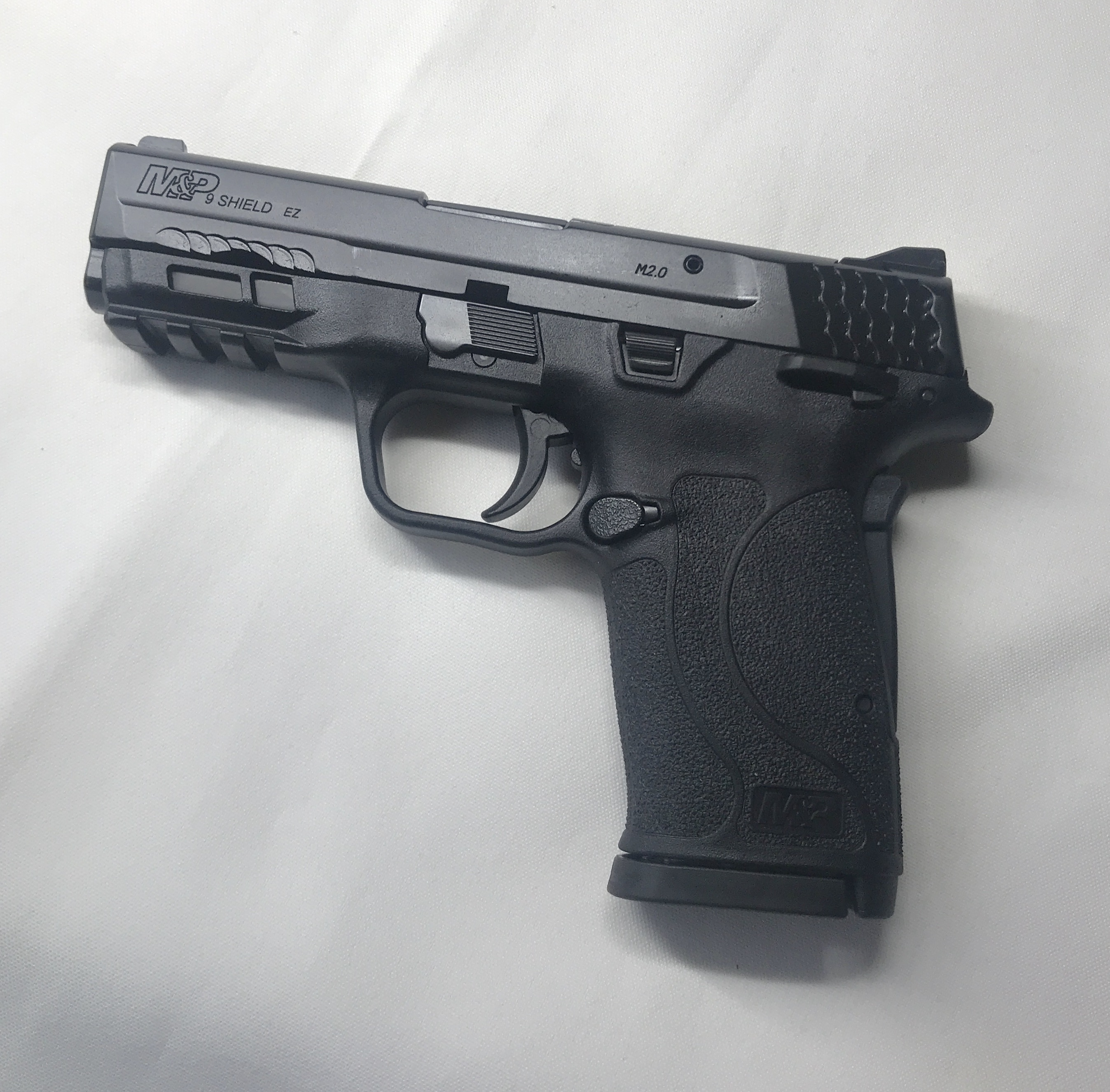 Smith & Wesson M&P 9 SHIELD EZ with Manual Thumb Safety
